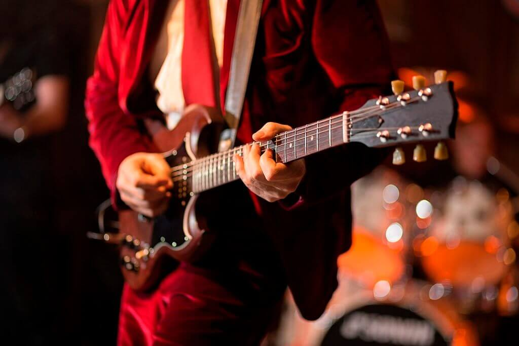 best blues guitar buying guide