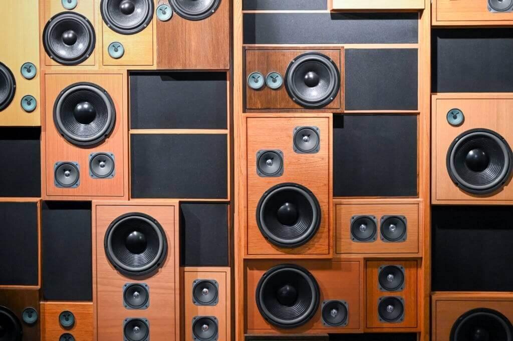 best in wall speakers